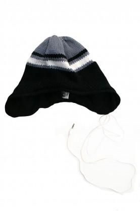 Детска шапка /със слушалки за телефон/